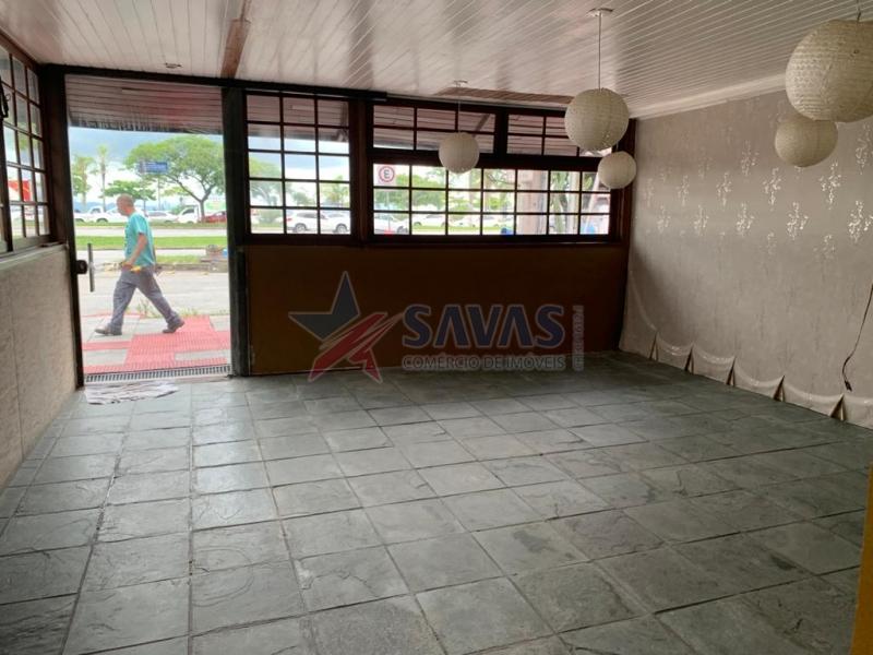 AMPLA CASA COMERCIAL - BEIRA MAR